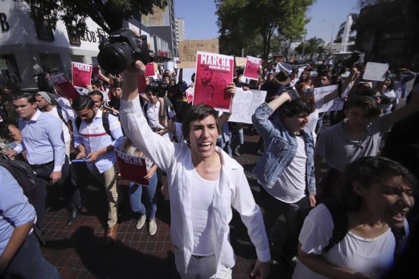 Protesta estudiantil en Guadalajara vía El País