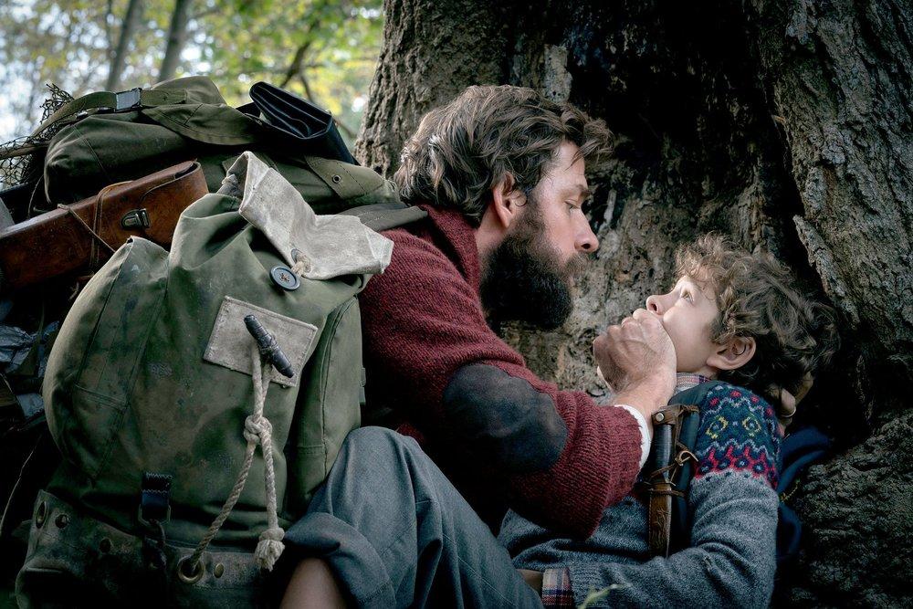 """John Krasinski y Noah Jupe en """"Un lugar en silencio"""""""