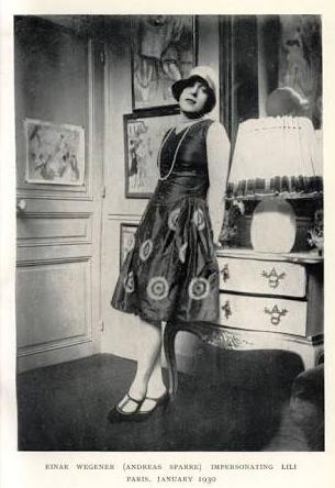 Lilie posando para retrato en 1930