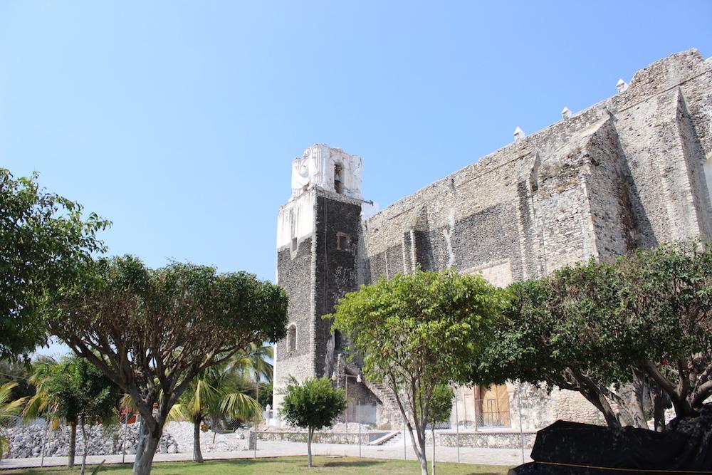 El campanario caído de la Parroquia Santo Domingo de Guzmán, en Tlaquiltenango, Morelos.