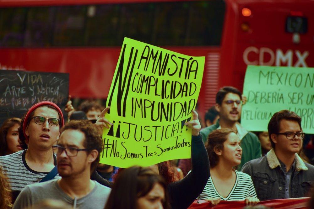 Marcha Estudiantes de Cine Valente Beltran 02.jpg