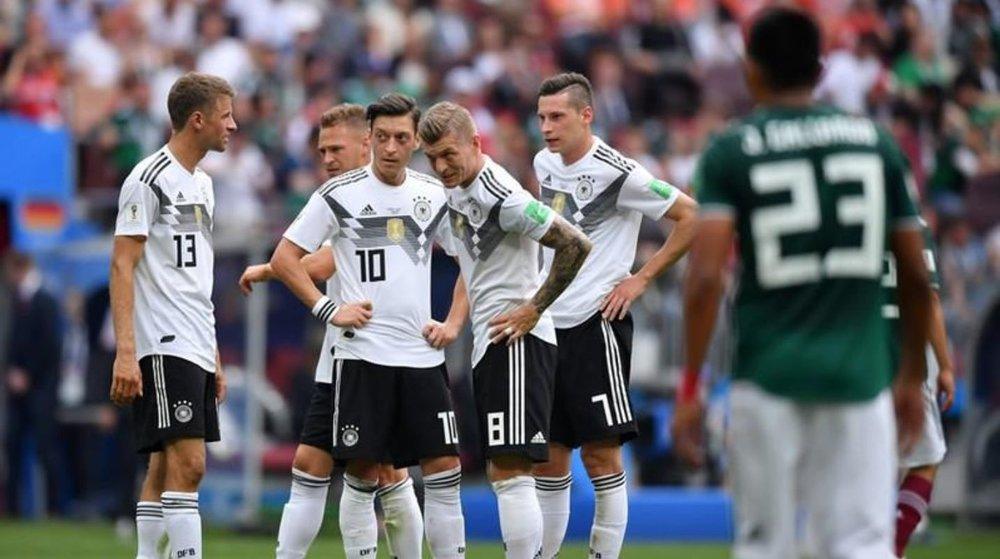 """Los alemanes lamentan la derrota ante el """"tri"""". Foto vía La Verdad Noticia"""