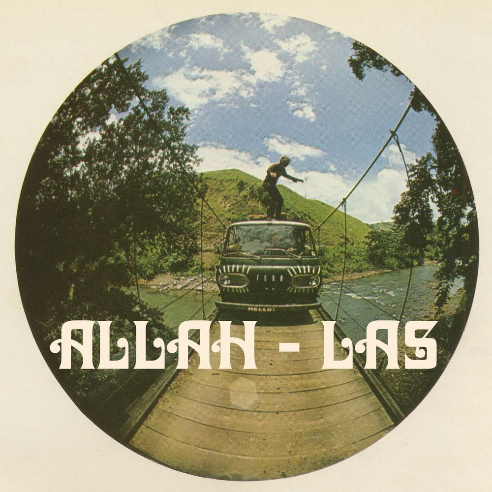En 2012 Allah-Las atrajo las miradas del mundo musical con sus sonidos garage-sixties. Durante su presentación en el Corona Capital, en CDMX, trasladaron su playa californiana al Autódromo Hermanos Rodríguez.