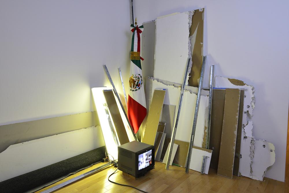 Integración del Consulado General de México en Miami (2001) [https://www.letraslibres.com/mexico/arte/tercerunquinto-en-el-museo-amparo]