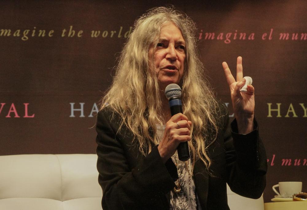 Patti Smith en el Hay Festival. Foto vía La De Hoy Querétaro.
