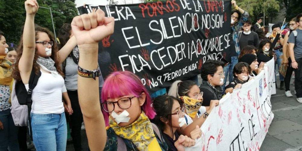 Imagen de la Marcha del Silencio 2018, a 50 años del Movimiento Estudiantil de 1968. Vía Publimetro.