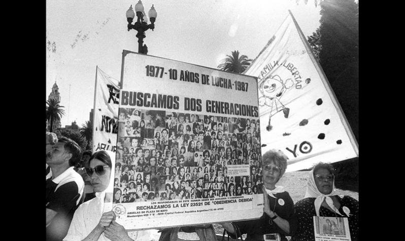 1987 ABUELAS.jpg
