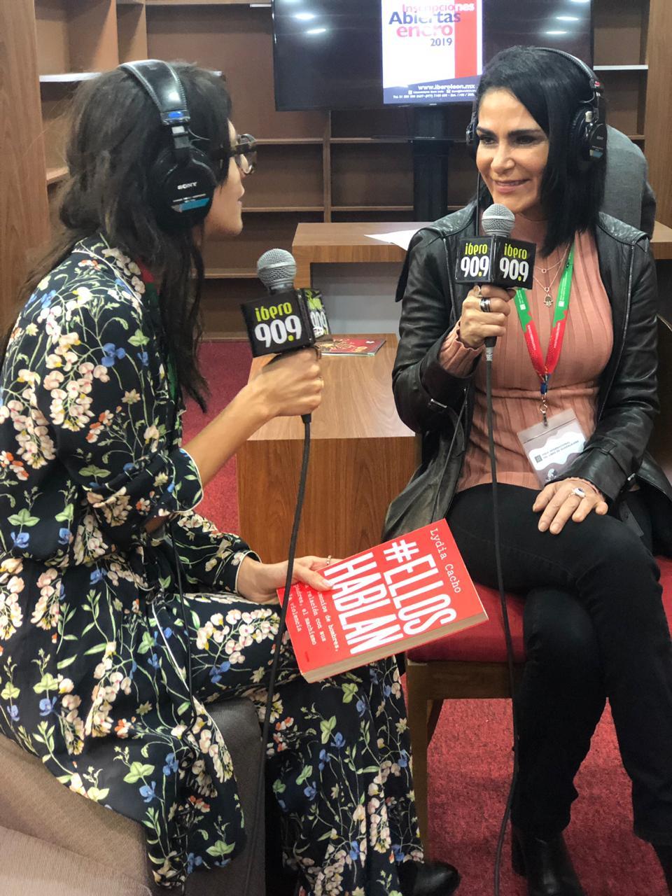 Lidya Cacho conversó con Gina Jaramillo (a la izquierda). Foto: Valeria Villalobos