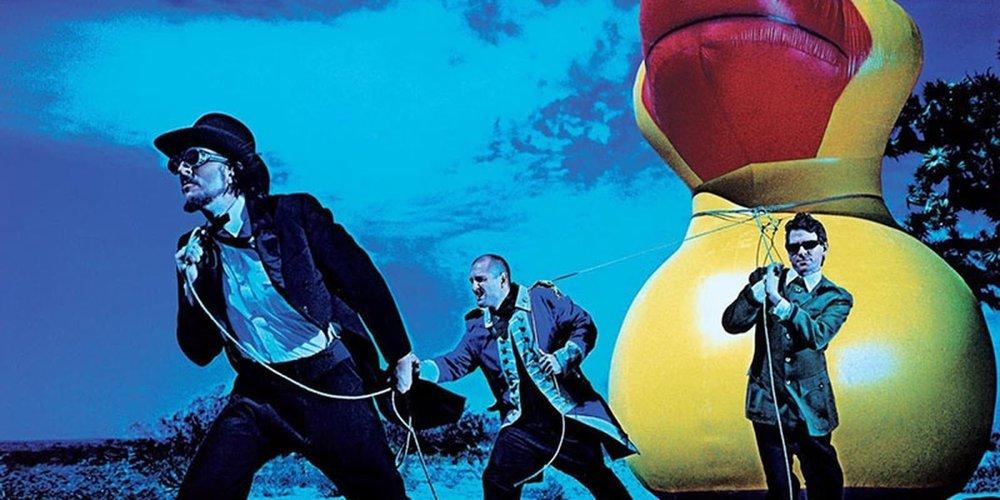 El trío californiano se presentará en el Auditorio Black Berry. Imagen vía  Acustica Subversiva .
