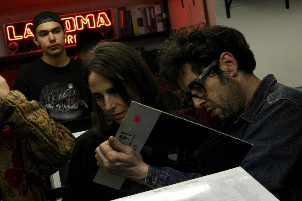 Interior de la Roma Records. Foto: Jimena Talamantes / Ibero 90.9