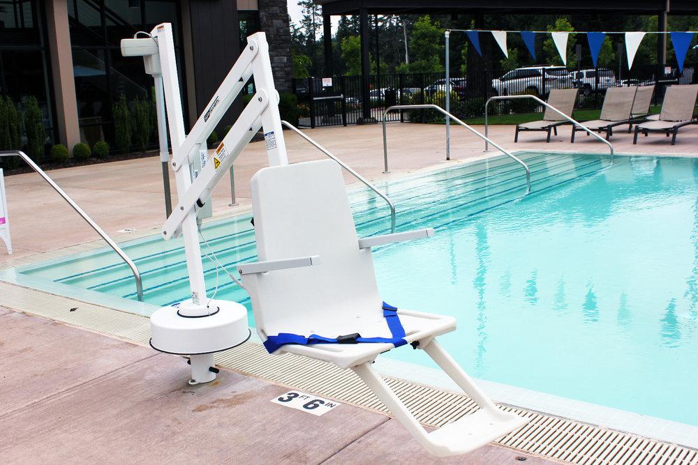 SR-Smith-Splash-Pool-Lift-New-Seat.jpg