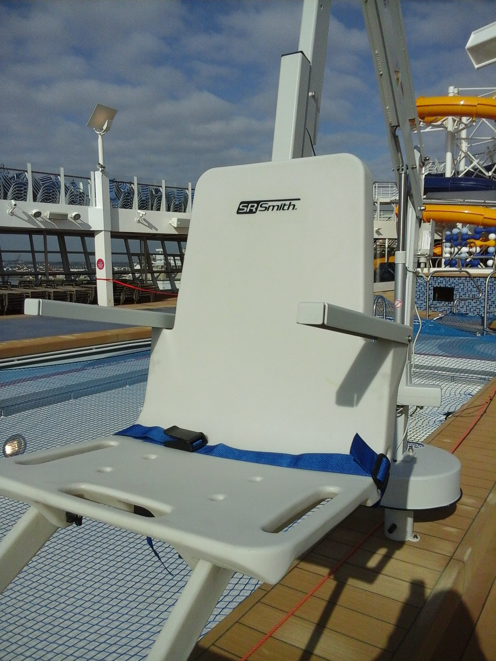 splash-rmt-pool-hoist-seat-cruise-ship-diability-access.jpg