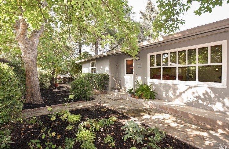 1390 Garden Ave, St. Helena