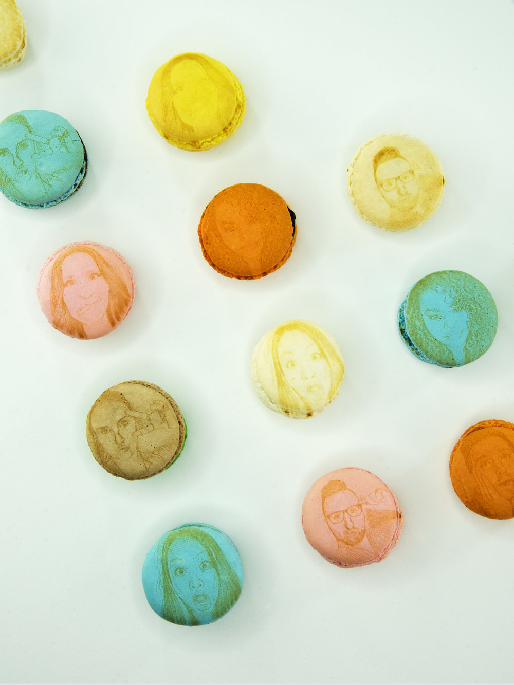 MakeLab's Edible Selfie Photo Booth on Macarons