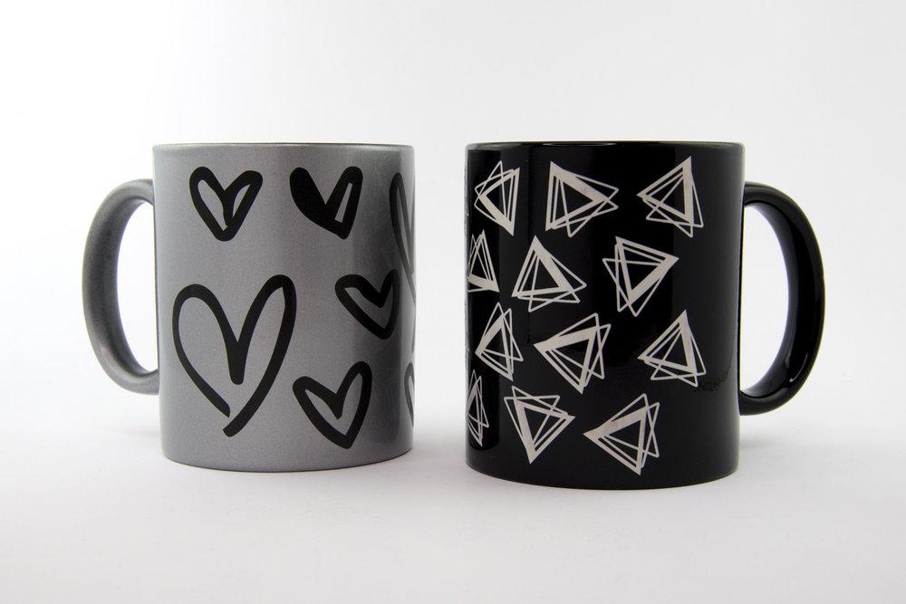 Custom designed mugs artist on site