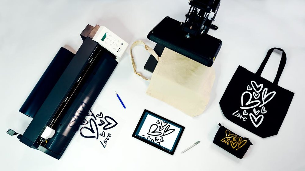 Retail-personalization-vinyl-cutter.jpg