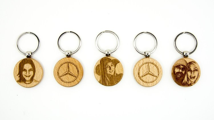 """""""Mercedes Me"""" Live Engraved Selfies on Keychains for the Canadian International Auto Show - Client: MercedesAgency Partner: BBDOVenue / Event: International Auto Show"""