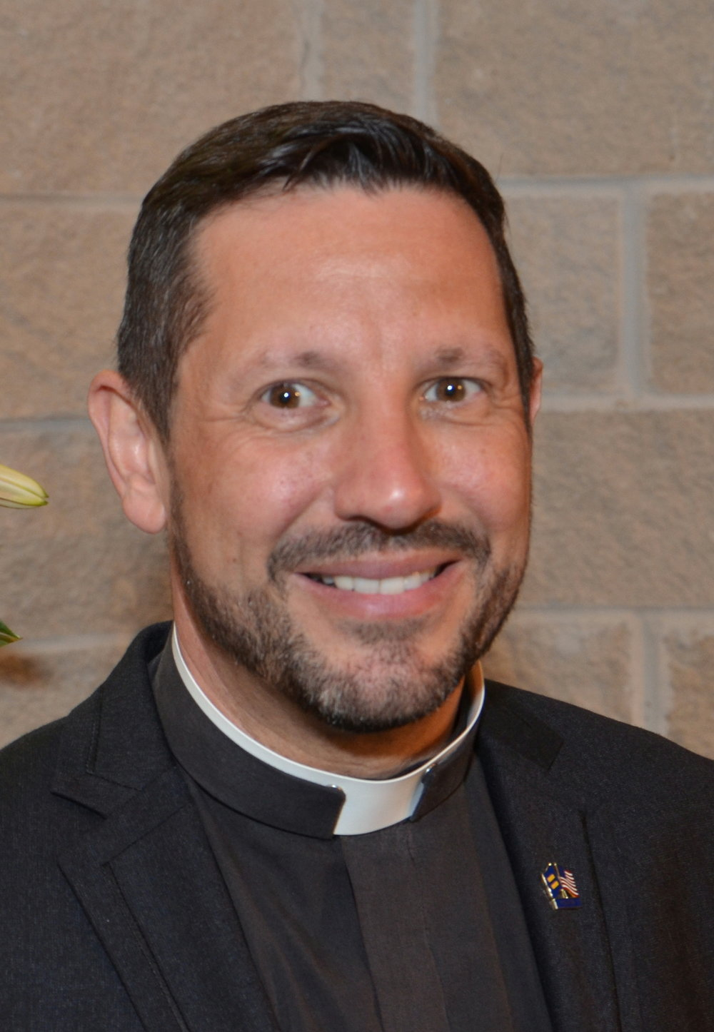 Rev Neil Cazares-Thoms.JPG