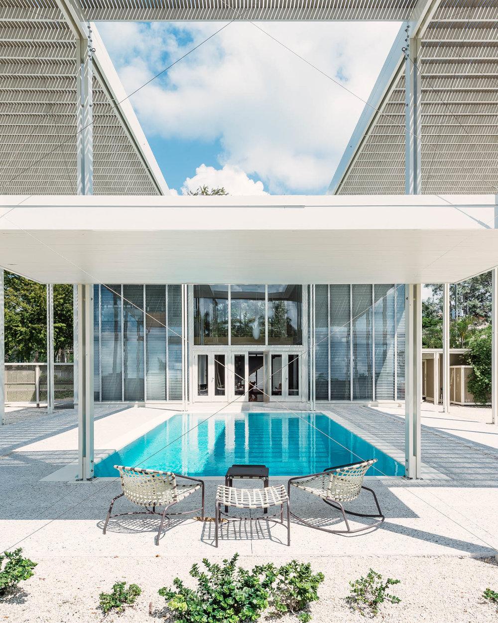 unbrella pool.jpg