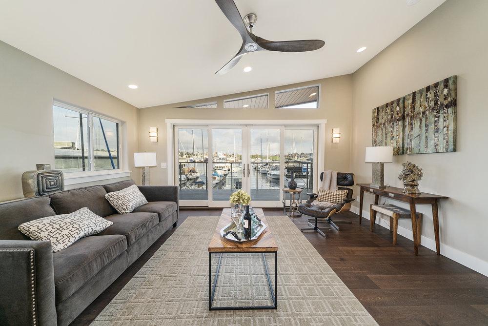 Solstice Houseboat Living Room.jpg