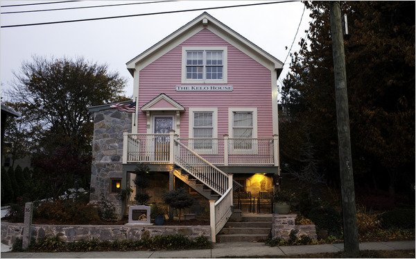 "The ""little pink house"" made famous by the landmark eminent domain case,  City of New London v. Kelo ."