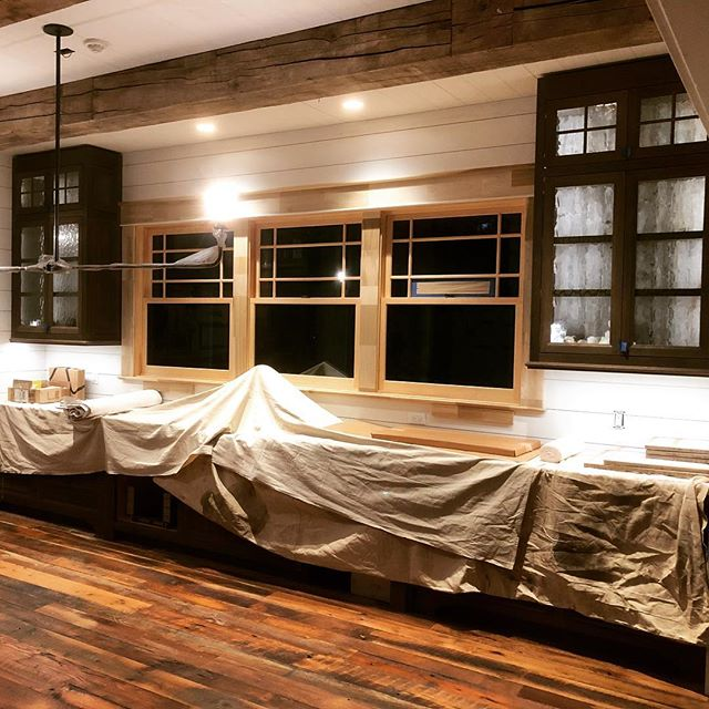 Here's another sneak peek of a current project. We're nearing the end 👍 #farmhouses #farmhousekitchen #customcabinets #customcabinetry #woodworking #wowfactor #cabinetry #designer #workingmybuttoff