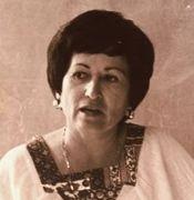 Martha Bernal - La primera mujer latina en ser otorgada un doctorado en Psicología. Abrió el camino para muchas más mujeres latinas que buscaban especializarse como psicólogas en Estados Unidos.