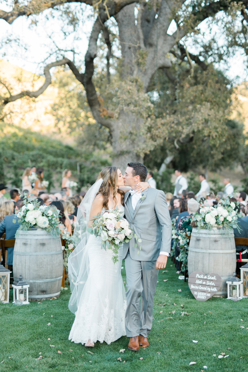 poppyhillflowers.com | Triunfo Creek Vinyeards Wedding | Poppyhill Flowers | Southern California Wedding Florist and Floral Designer _ (16).jpg