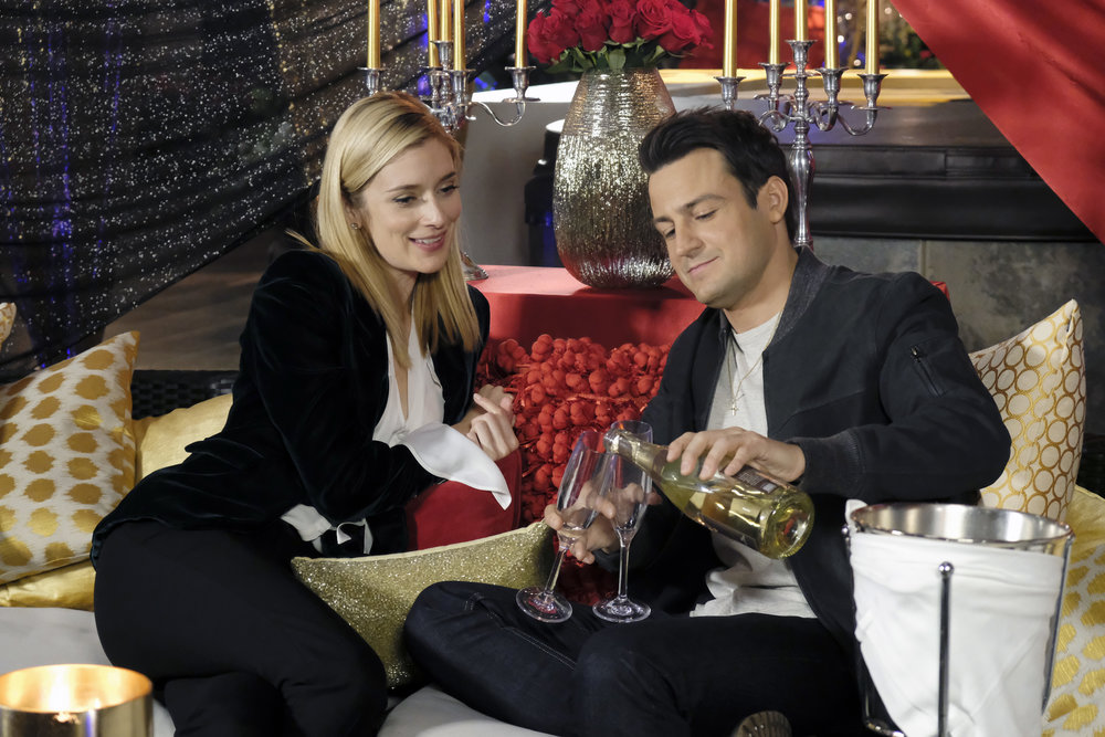 (L to R) Caitlin FitzGerald and Tyler Hynes star in Season 3 of Lifetime's hit drama UnREAL