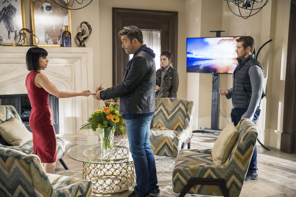 (L to R) Constance Zimmer, Craig Bierko, Shiri Appleby and Josh Kelly star in Season 3 of Lifetime's hit drama UnREAL