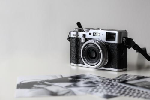Center your website around your photos.