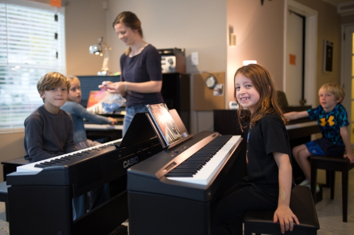 group-piano-kids.jpg