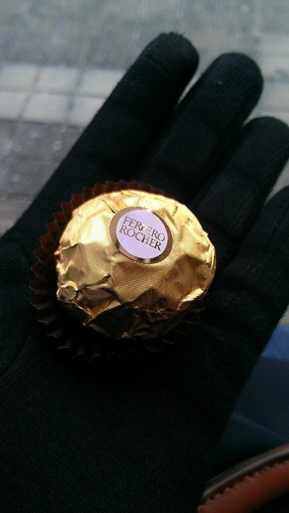 ferrero-rocher-inhand.jpg