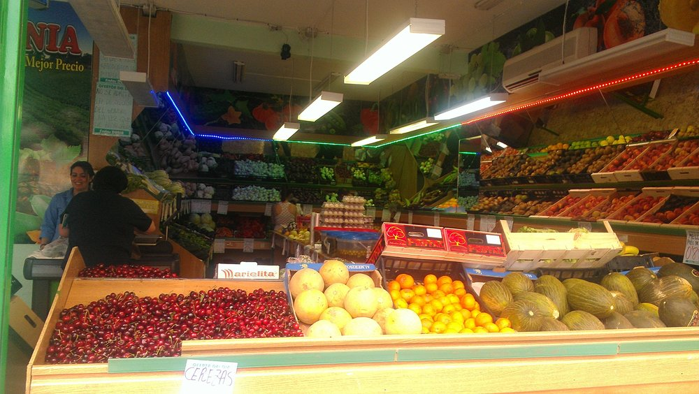 My favorite neighborhood fruteria - cheap, fresh, seasonal produce a stone's throw away from my place