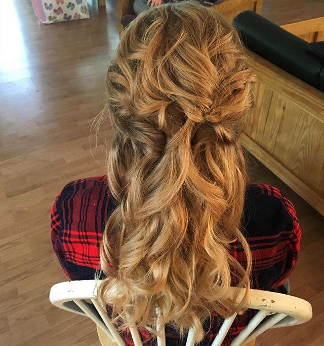 Flowy updo by Katie #hairbykatieexpectations