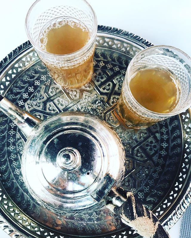 ◂ ◂ ◂ Mornings by the sea drinking Moroccan mint tea ▸ ▸ ▸ Wishing you all a beautiful day! . . . . . . . . . #tea #mint #morocco #morning #ritual #moroccanmint #sea #travel #explore #wanderlust #adventure #destination #beauty #breakfast