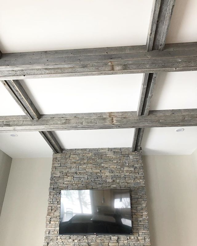 Design is all in the details!  Love these beams in my client's modern country dream home. 👌🏼 @rebornbarns