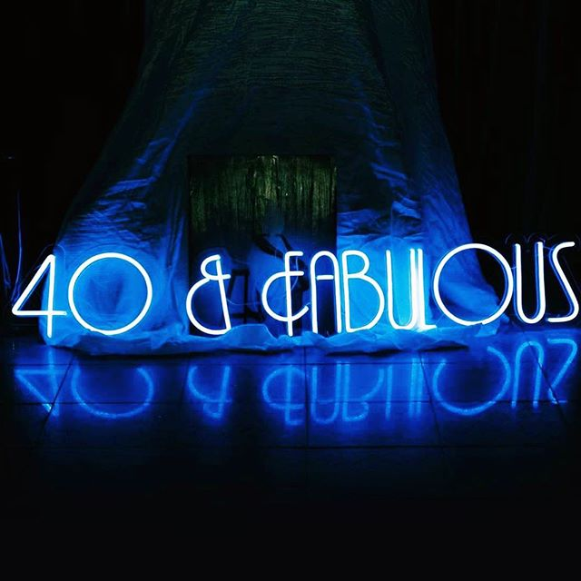 🔹 40 & Fabulous 🔹Custom design neon sign for a great gatsby 40th birthday 🔹