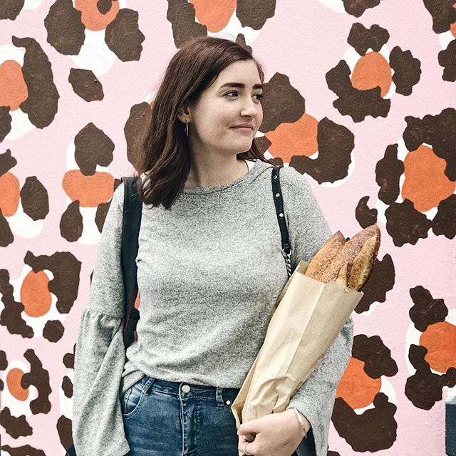 A girl + her baguettes 🥖💕 (went out for lunch & got some free bread score!)
