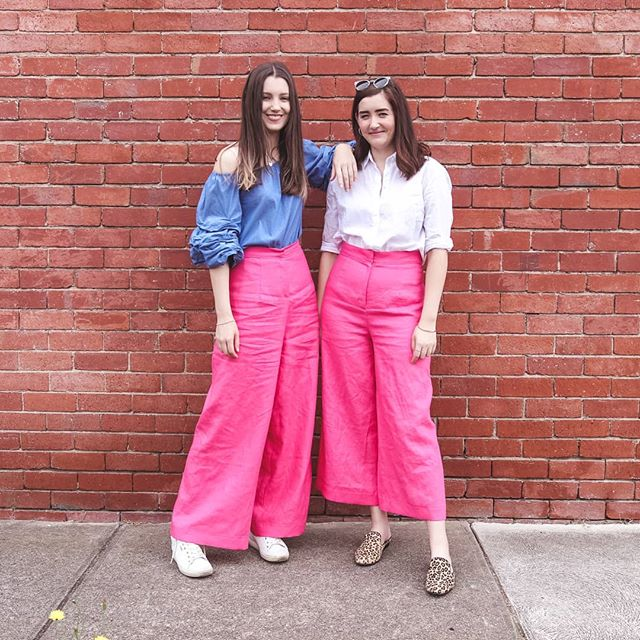 Since we've had a few new followers in the past week, we thought we'd share 10 quick facts about ourselves 📸  1.We're sisters and were born and raised in Auckland 🌏  2.We started our blog Shop Style Conquer eight years ago!! 💻  3.We're actually super awkward and trip over thin air regularly 👠  4.Tara has a masters in dietetics but now she lives in Melbourne where she's studying fashion design 🍏👗 5.We both live in our own studio apartments in Auckland and Melbourne (#studiosforthewin) 🏙  6.Ellen has a degree in communications and writes for magazines in NZ ✏  7.We make goofy videos about fashion, beauty, DIYs and life on YouTube 🎥  8.Alongside our blog we also have an online boutique selling vintage designer clothes 🎁🎀 9.Tara is almost five years older than Ellen and we don't  have any other siblings 👨👩👧👧 10.We have lots of fun together but fight like normal sisters 😂🤛