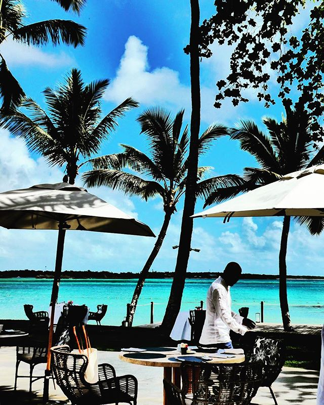 I don't know about you ....but I want my Monday morning coffee ☕️ here 👆🏼 ...please.... 🙏🏼 @oolesaintgeran #mauritius #oneandonlystgeranmauritius  #takemeback !!! #photobymarieritchie ⠀⠀⠀⠀⠀⠀⠀⠀⠀ #travel #traveling  #vacation #visiting #instatravel #instago #instagood #trip #holiday #photooftheday #fun #travelling #tourism #tourist #instapassport #instatraveling #destination #mytravelgram #travelgram #travelingram #travelanddestinations #destination_wow
