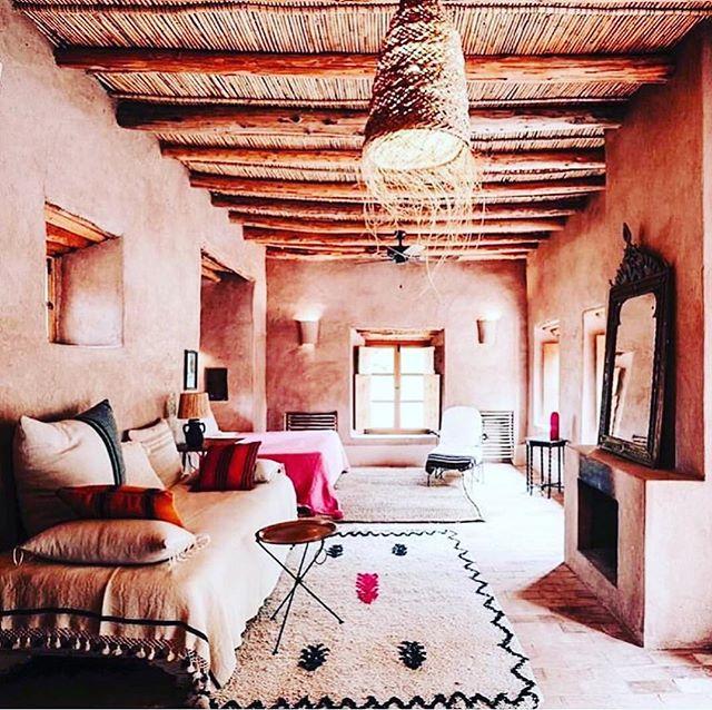 🙌🏽🙌🏽🙌🏽 #colorpalette #interiorstyle #heaven ⠀⠀⠀⠀⠀⠀⠀⠀⠀ #regram via  @voyageursdumonde . Les vacances de la Toussaint au Maroc 💕 Shot by @mariemonsieur • • #voyageursdumonde #maroc #morocco #moroccandecor #berberlodge #oumnas ⠀⠀⠀⠀⠀⠀⠀⠀⠀ #minimalism #minimalist #minimal  #minimalistic #minimalistics #minimalove #instaminim #minimalisbd #simple #simplicity #keepitsimple #minimalhunter #minimalista #minimalismo #beautiful #lessismore #simpleandpure #negativespace #keepitsimple #simplestupid