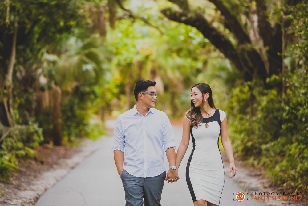 Engagement Session Hugh Taylor Birch State Park - Photography by Santy Martinez-13.jpg