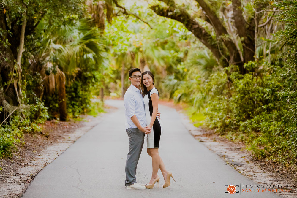 Engagement Session Hugh Taylor Birch State Park - Photography by Santy Martinez-14.jpg