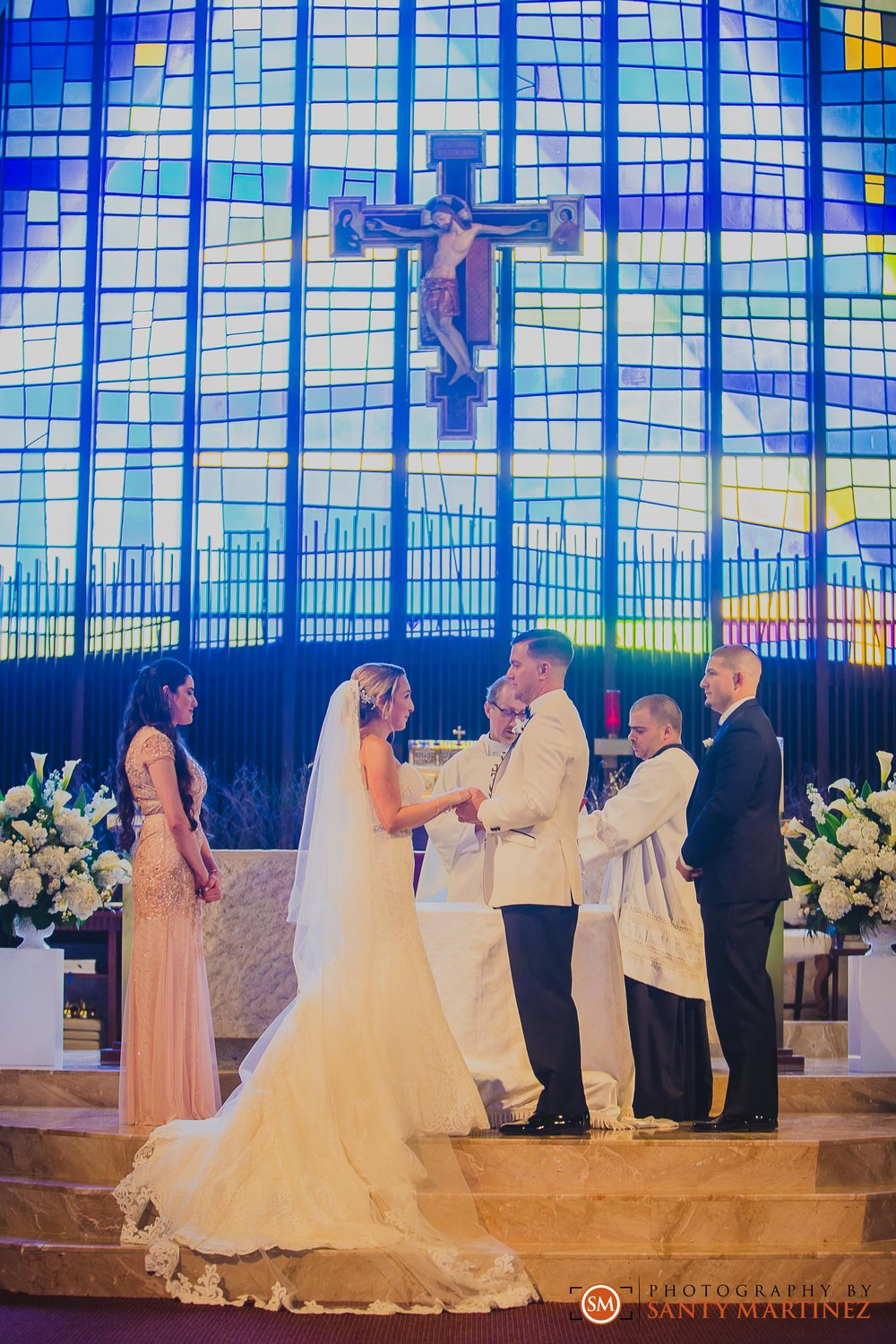 Wedding - St Hugh Catholic Church - Rusty Pelican - Key Biscayne - Photography by Santy Martinez-22.jpg