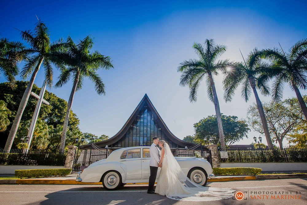 Wedding - St Hugh Catholic Church - Rusty Pelican - Key Biscayne - Photography by Santy Martinez-29.jpg