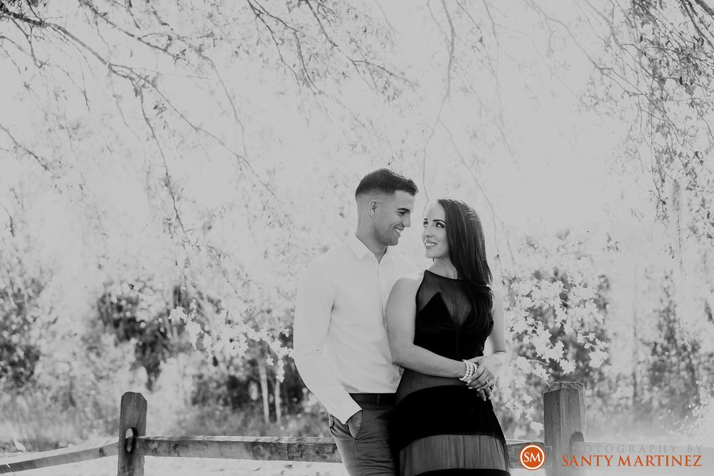 Engagement Session Florida Botanical Gardens - Photography by Santy Martinez-11.jpg