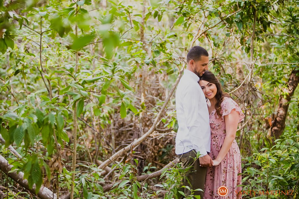 Engagement Session Matheson Hammock Park - Photography by Santy Martinez-12.jpg