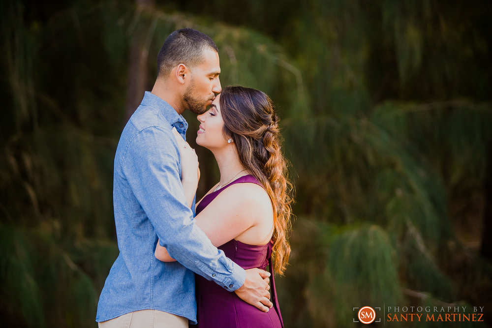 Engagement Session Matheson Hammock Park - Photography by Santy Martinez-19.jpg