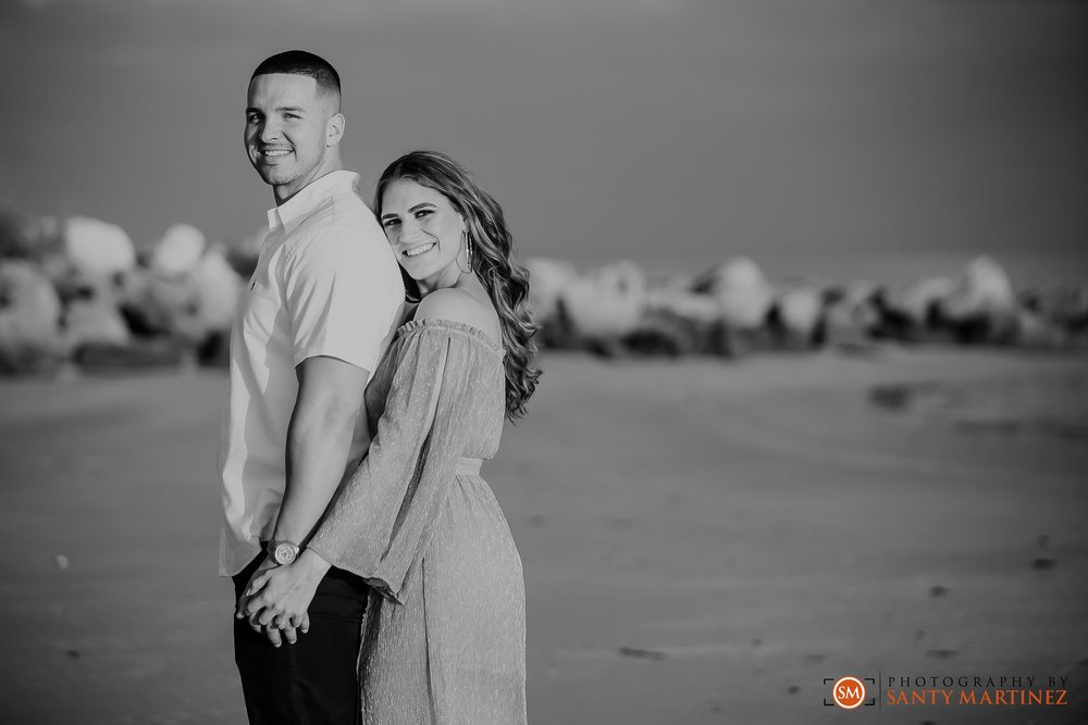 Miami Engagement Session - Key Biscayne - Photography by Santy Martinez-20.jpg